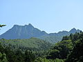 雄鉾岳と割れ岩.JPG