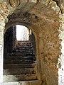048 Castell de Montsoriu, escala d'accés a la sala gòtica.jpg