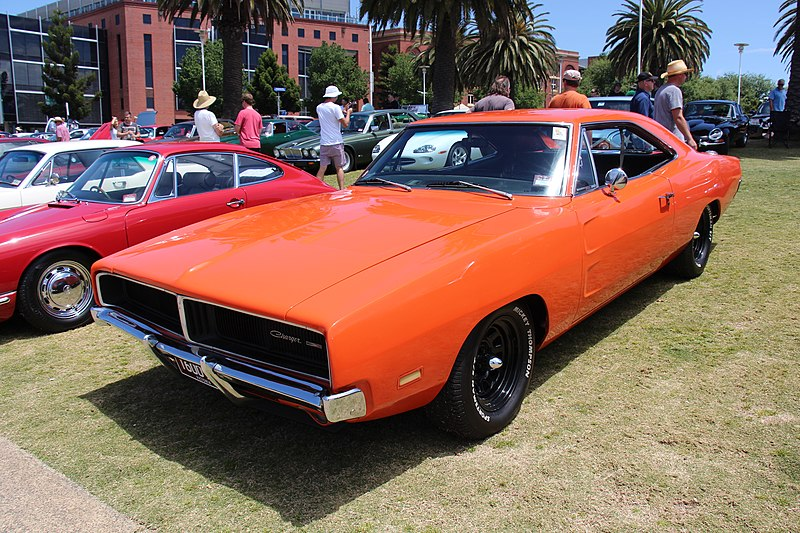 800px-1969_Dodge_Charger_%2815323263993%