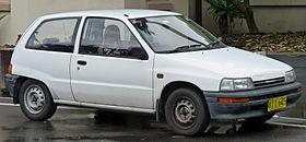 1988-1991 Daihatsu Charade (G100) TS 3-door hatchback (2011-05-25) 01.jpg