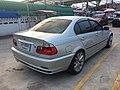 2000-2001 BMW 320i (E46) Sedan (27-10-2017) 04.jpg