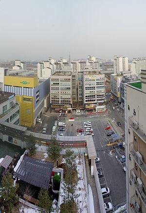 Bongdam - Image: 2011 02 14 14 02 01 Bongdam Central Square
