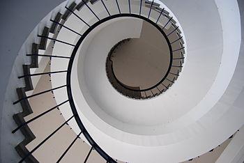 20120923 BBC-Wohlfahrtshaus Wendeltreppe 5.jpg