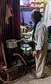 20191205 Sprzedawca masala czaj w Starym Delhi 0602 6732.jpg