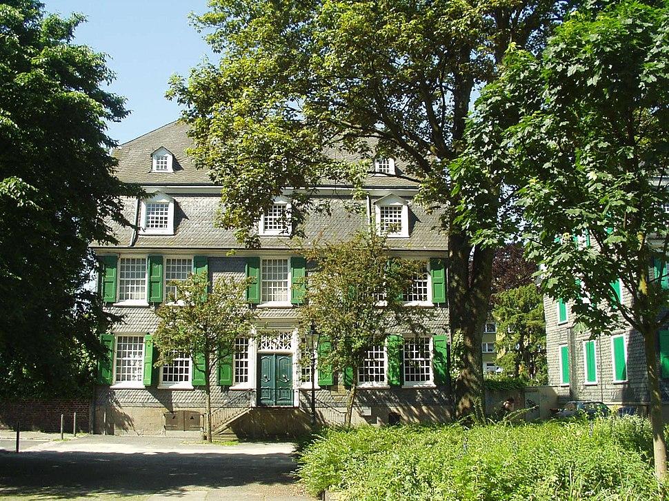 280505 001 Engelshaus Barmen