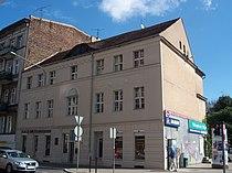 A034, Poznań, kamienica przy ul. Garbary 26 (2). Ysbail.jpg
