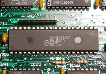 El juego de las imagenes-http://upload.wikimedia.org/wikipedia/commons/thumb/6/6b/AY-3-8910A_Sound_Chip.png/440px-AY-3-8910A_Sound_Chip.png