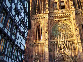 Grande Île (Strasbourg) - Image: Absolute cathedrale Strasbourg facade 01