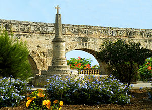 Wignacourt Aqueduct - Wignacourt Aqueduct at the boundary between Balzan and Birkirkara