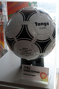 Adidas Tango España.jpg