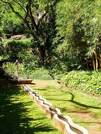 Allerton Garden - Image: Allerton Garden, Kauai, Hawaii Mermaid Fountain