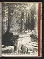 Altaar (vermoedelijk) in de Tempel van Fortuna Primigenia te Palestrina Altare del Tempio della Fortuna, sotteranei del seminario di Palestrina (titel op object), RP-F-2001-7-642-19.jpg