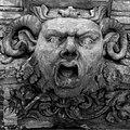 Alte Hofhaltung, Schönes Portal, Fratze.jpg
