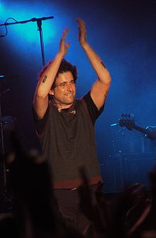 Description de l'image Andrés Calamaro aplauso cropped.jpg.