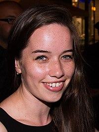 Anna Popplewell – Wi... Rachel Mcadams