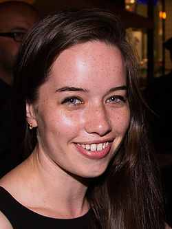 Anna Popplewell på Toronto International Film Festival 2013.