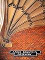 Anne Boleyn's Gateway, Hampton Court Palace - geograph.org.uk - 1101744.jpg