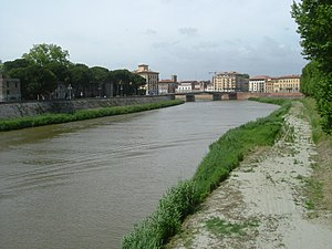 Arno - Image: Arno River in Pisa.honeydew