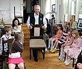 Arnold ja Ingrid Rüütlil lasteaed külas 2008.jpg