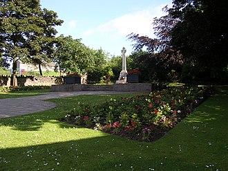 Auchinairn - Image: Auchinairn war memorial 2