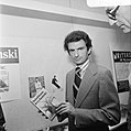 Auteur Jerzy Kosinski presenteert nieuw boek Duivelsboom, Bestanddeelnr 926-4311.jpg