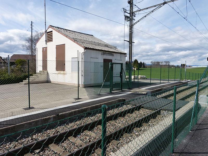 File:Bâtiment technique Vernand-Camarès.jpg
