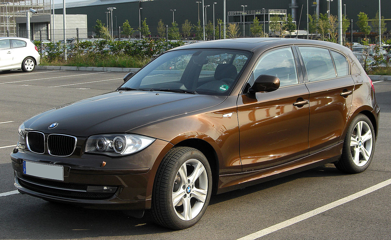 file bmw 116d e87 facelift front wikimedia commons. Black Bedroom Furniture Sets. Home Design Ideas