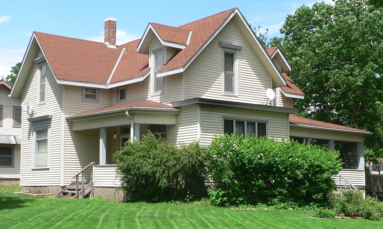 File:Beatrice, Nebraska 803 N 11 St from SE 1.JPG