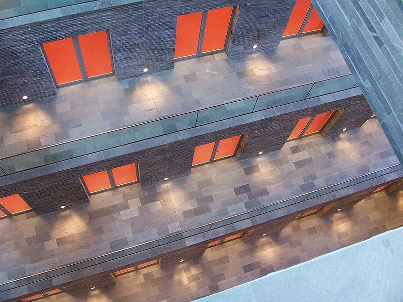 Image:Beeld en Geluid museum Netherlands.JPG