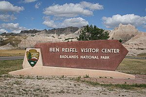 English: Sign for the Ben Reifel Visitor Cente...
