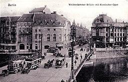 Weidendammer Brücke, unknwon [Public domain], via Wikimedia Commons