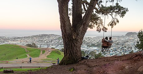 Bernal Heights (77630p).jpg