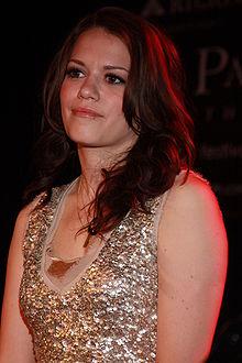 http://upload.wikimedia.org/wikipedia/commons/thumb/6/6b/Bethany_Joy_Galeotti.jpg/220px-Bethany_Joy_Galeotti.jpg