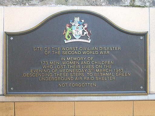 Bethnal Green stn memorial plaque