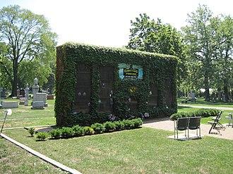 Bohemian National Cemetery (Chicago, Illinois) - Chicago Cubs columbarium