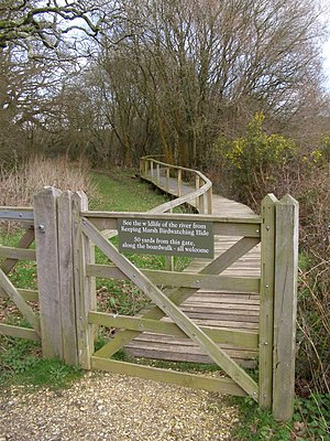English: Boardwalk to Keeping Marsh birdwatchi...