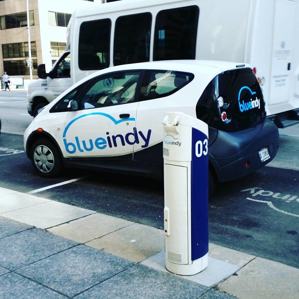Bollor%C3%A9 BlueIndy electric car.jpg