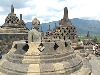 The Amazing Race 19 - The iconic Borobudur, the largest Buddhist temple in the world, is served both as the site of this leg's Roadblock and the Pit Stop.