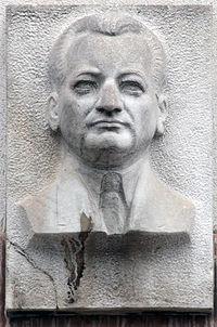 Bratislava Relief Vladimira Clementisa.jpg