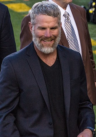 Brett Favre - Favre at Super Bowl 50 in 2016