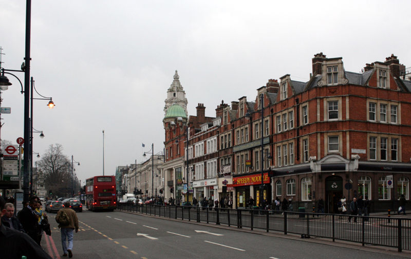File:Brixton Road London.jpg