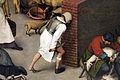 Bruegel il vecchio, proverbi fiamminghi, 1559, 13.JPG