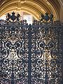 Buckingham Palace entrance (2329852004).jpg