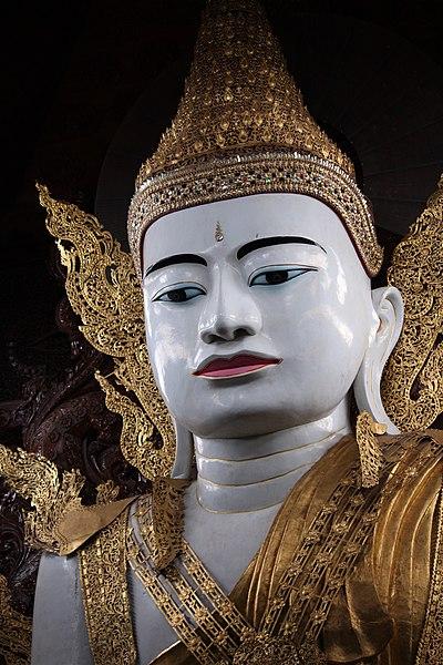 File:Buddha Statue at Nga Htat Gyi Pagoda at Yangon (9).jpg