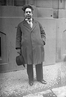 Felix Timmermans bij een bezoek aan Berlijn (december 1931)