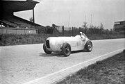 Bundesarchiv Bild 102-13498, Berlin, Manfred von Brauchitsch mit Mercedes