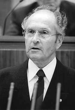 Bundesarchiv Bild 183-1989-0901-038, Oskar Fischer.jpg
