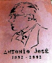 Burgos - Monumento al músico y folclorista Antonio José Martínez Palacios 1.jpg