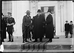 http://upload.wikimedia.org/wikipedia/commons/thumb/6/6b/Butt%2C_Baden-Powell%2C_Taft%2C_Bryce.jpg/240px-Butt%2C_Baden-Powell%2C_Taft%2C_Bryce.jpg