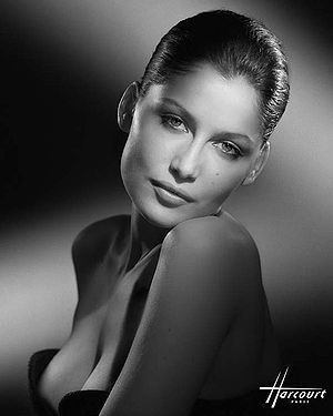 Te Amo (Rihanna song) - French model Laetitia Casta plays Rihanna's love interest in the music video.